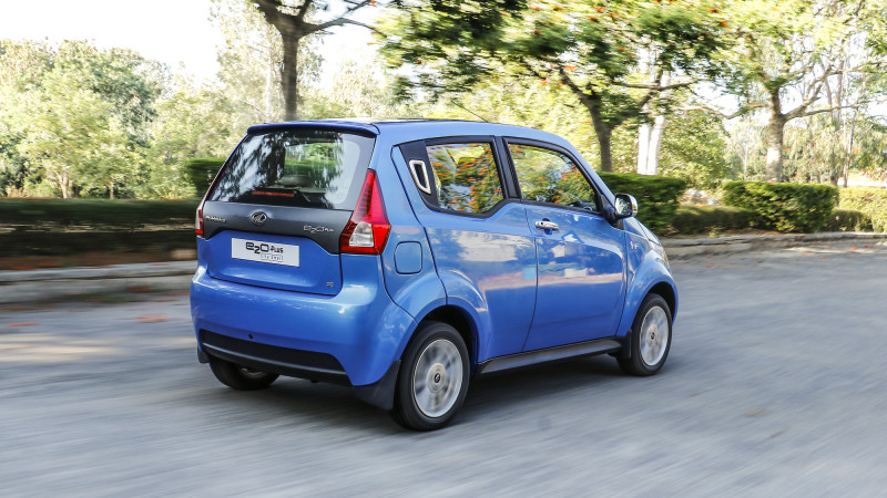 Mahindra E2o Plus Images Photos And Picture Gallery