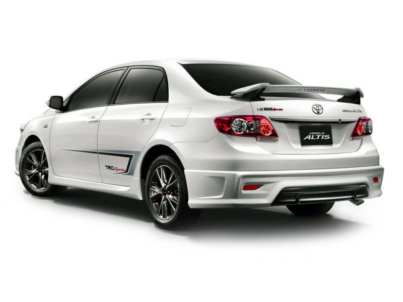toyota corolla altis 1 8g price specifications review cartrade. Black Bedroom Furniture Sets. Home Design Ideas